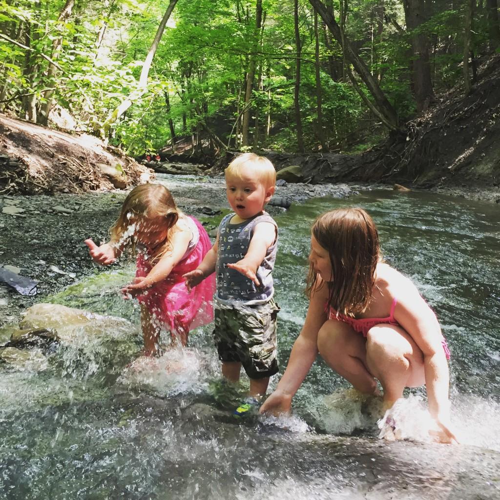 SummerSpalshingatOnanda_Julie_Andzulis